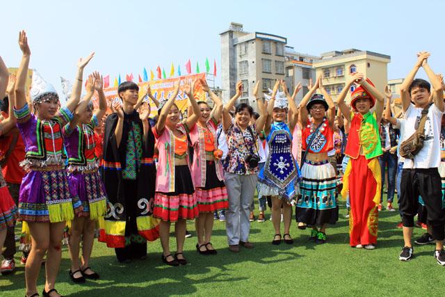 2015年广西民族高中 三月三 活动 图文